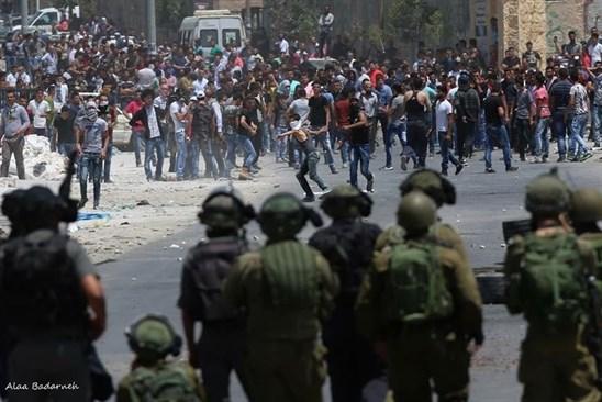 15 Palestinos muertos y mas de mil heridos en un efrentamiento con soldados israelies