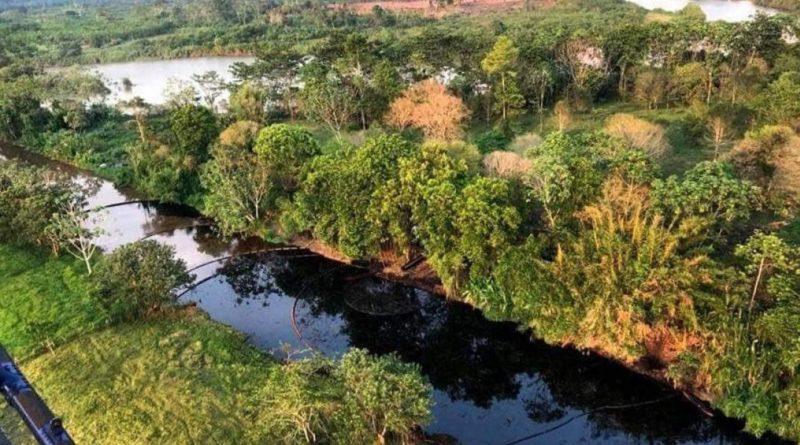 Derrame de crudo en Colombia amenaza rios y bosques.